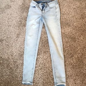 American Eagle jeans. Waist-25 inches